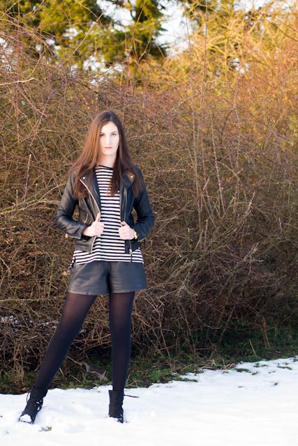 Faux-Lederjacke: Pull&Bear, Shirt: H&M (klick), Shorts: vintage, Strumphose und Ohrringe: Primark, Uhr: Michael Kors