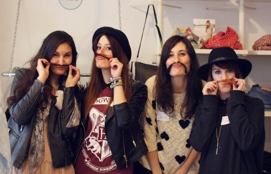 mit den Bloggerladies Jasmin, Carla und Jasmin (Bild geklaut von Carla und geschossen von Melanie)